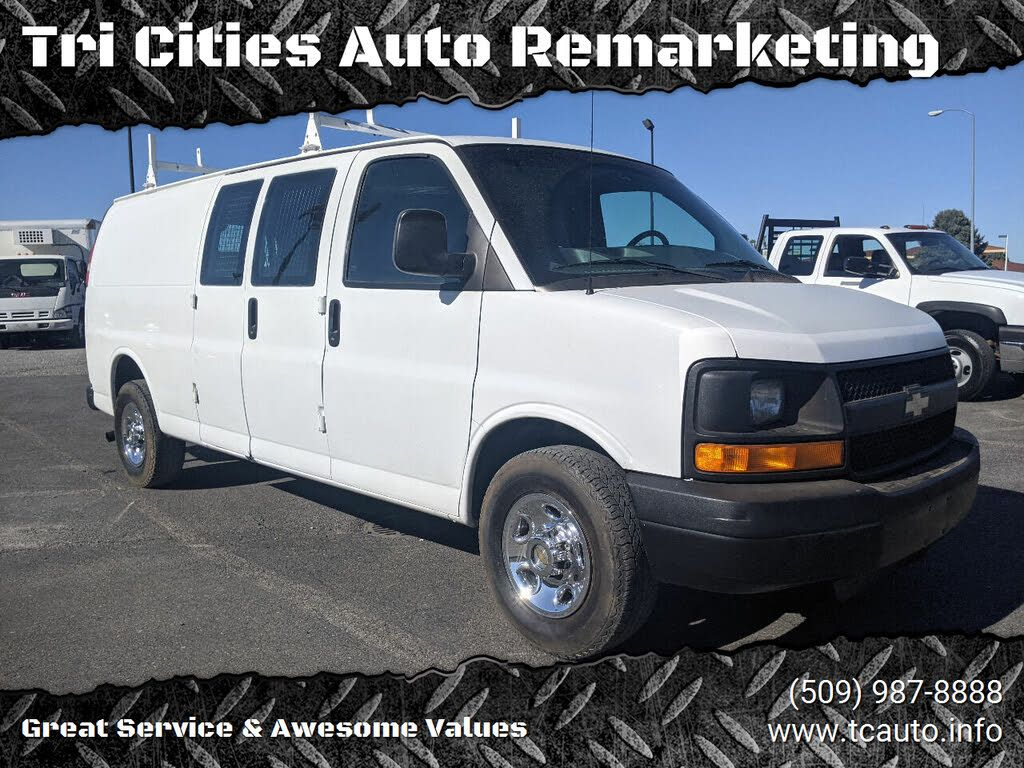 Image 2004 Chevrolet Express cargo 3500 extended rwd