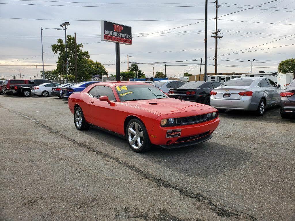 Image 2014 Dodge Challenger SXT Plus Coupe 2D