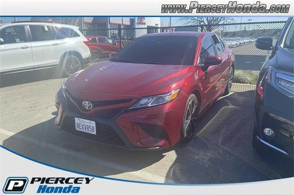 Image 2018 Toyota Camry LE