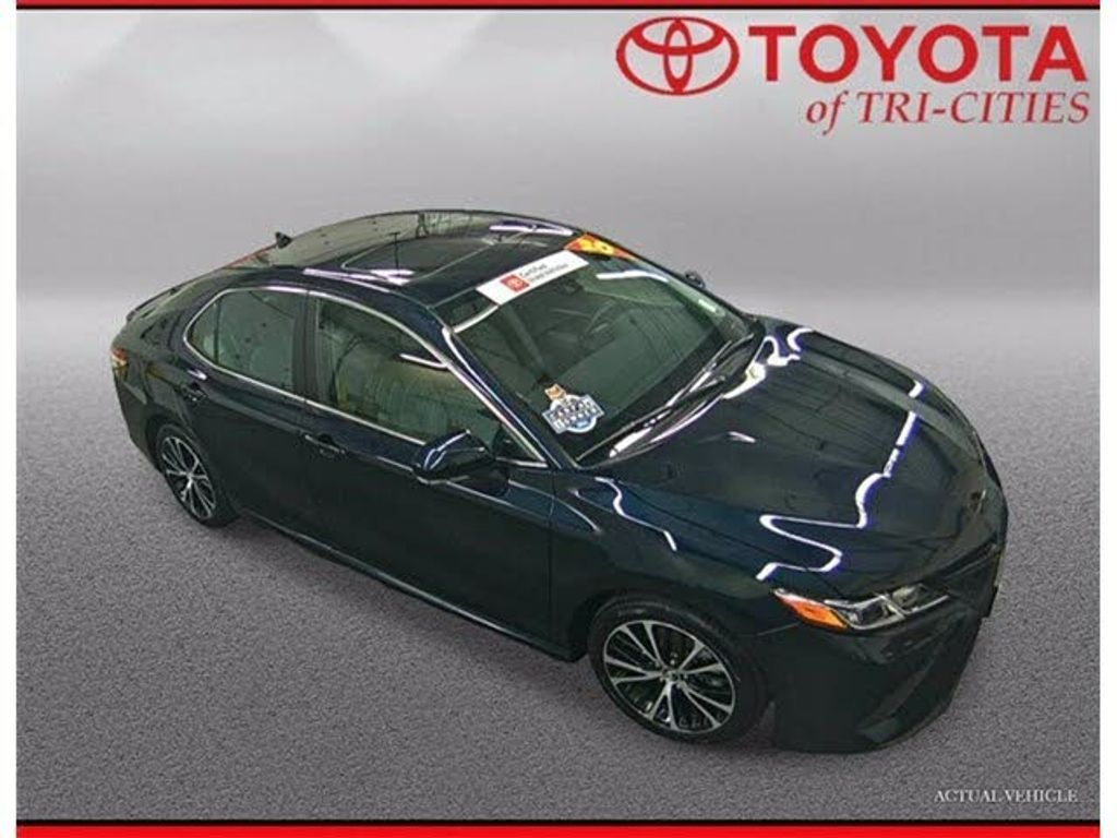 Image 2020 Toyota Camry Se fwd